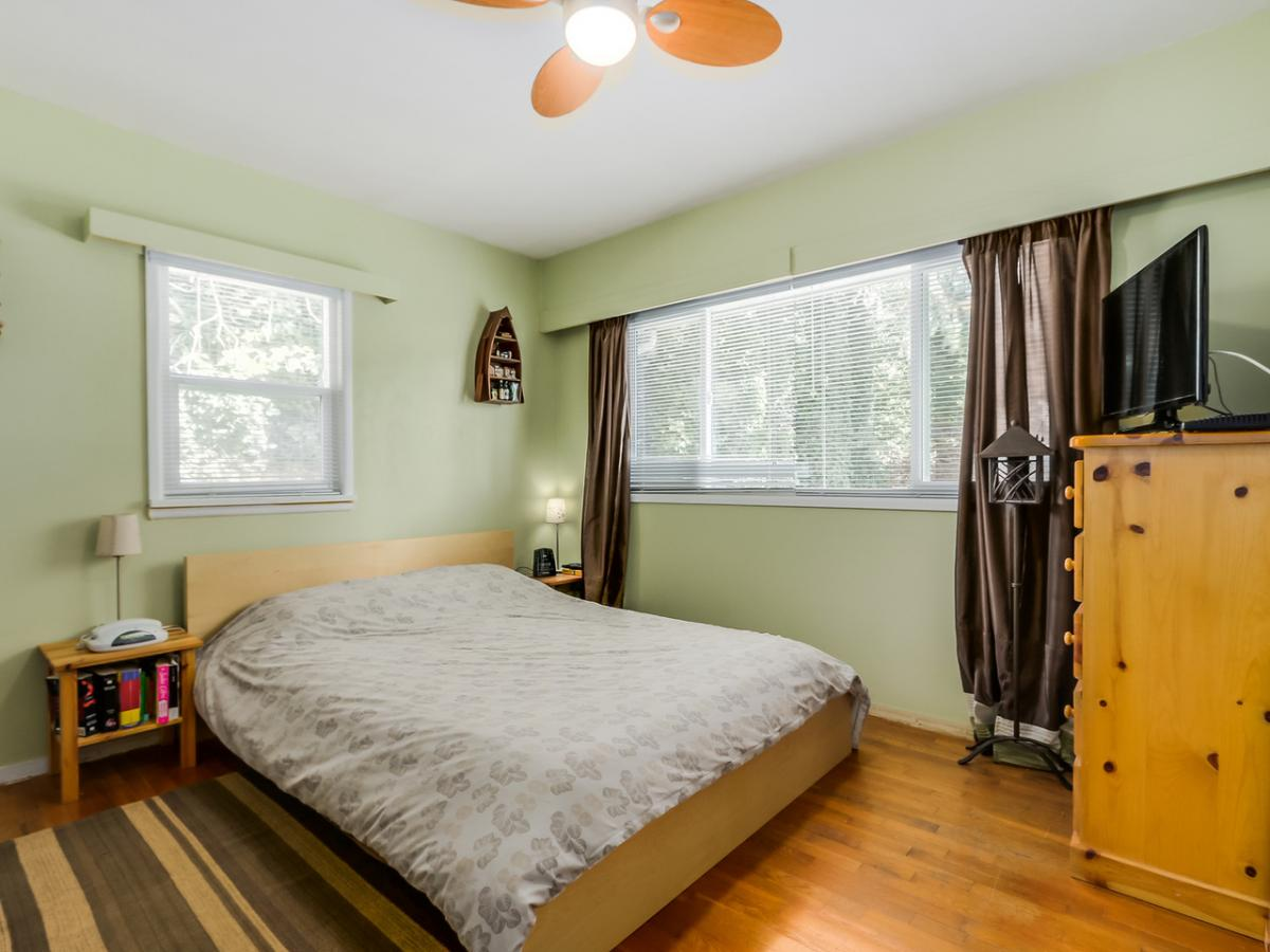 13 at 2433 Philip Avenue, Pemberton Heights, North Vancouver