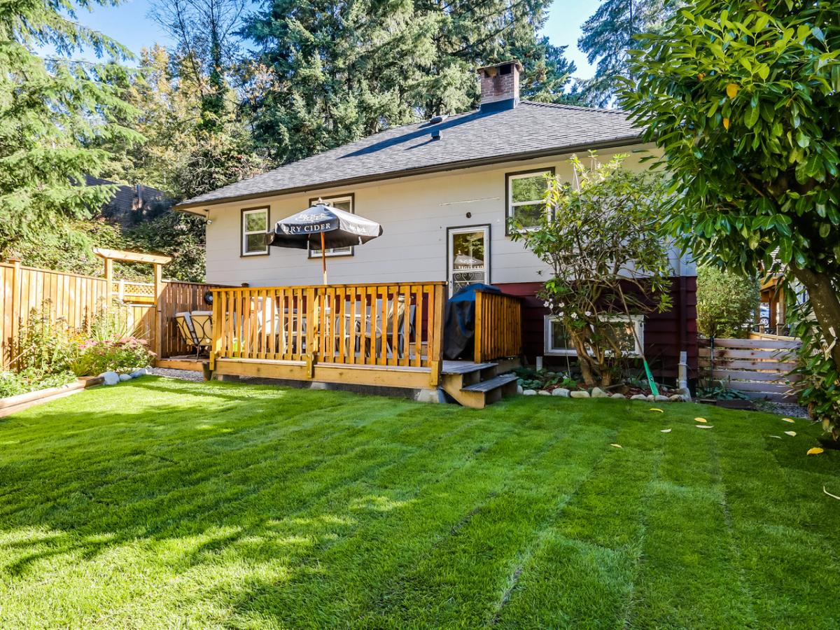 19 at 2433 Philip Avenue, Pemberton Heights, North Vancouver